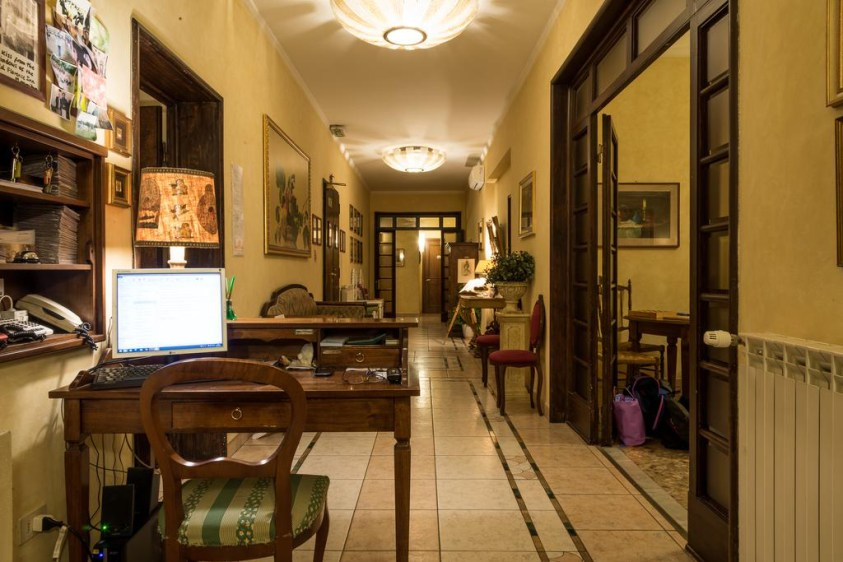 Hotels near trains | Florence Santa Maria Novella train station | BB Old Florence Inn
