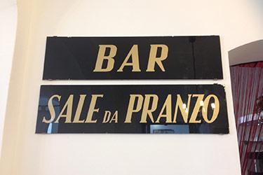 hotelspot-001-insegna-bar