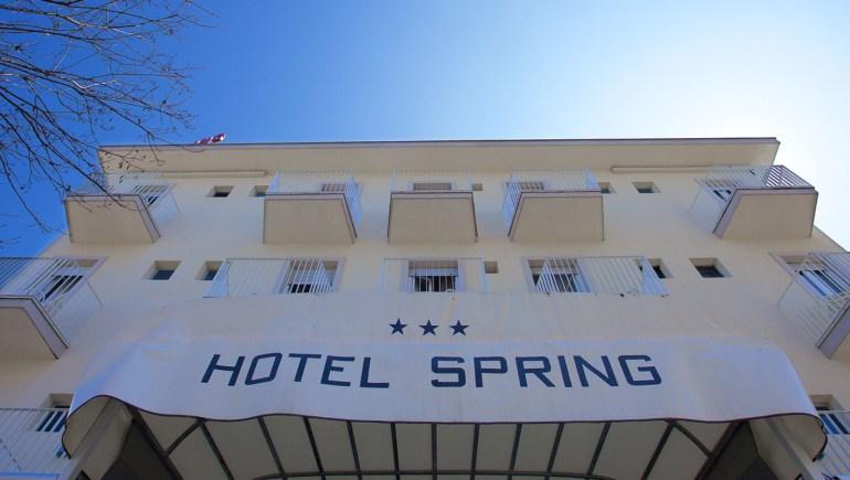 L'Hotel Spring si rinnova ed è pronto ad accoglierti con la solita familiarità e cortesia