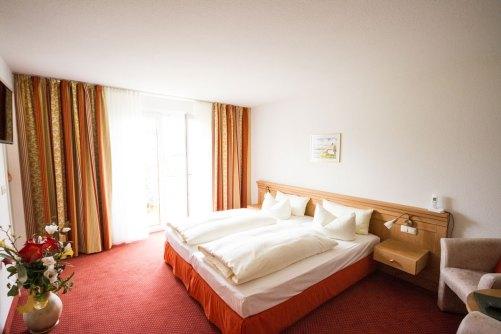 helle frundliche Zimmer im Hotel Waldidyll in Zinnowitz auf Usedom
