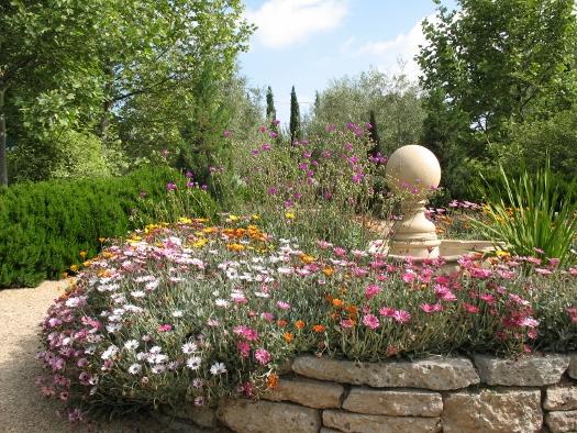 Arlington Garden fountain hot gardens