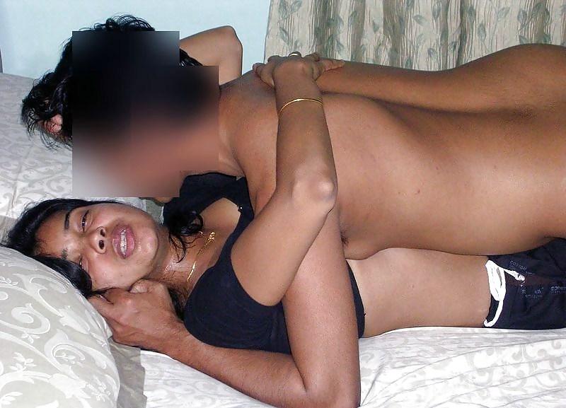 Big Boobs Indian House Wife Nude having sex