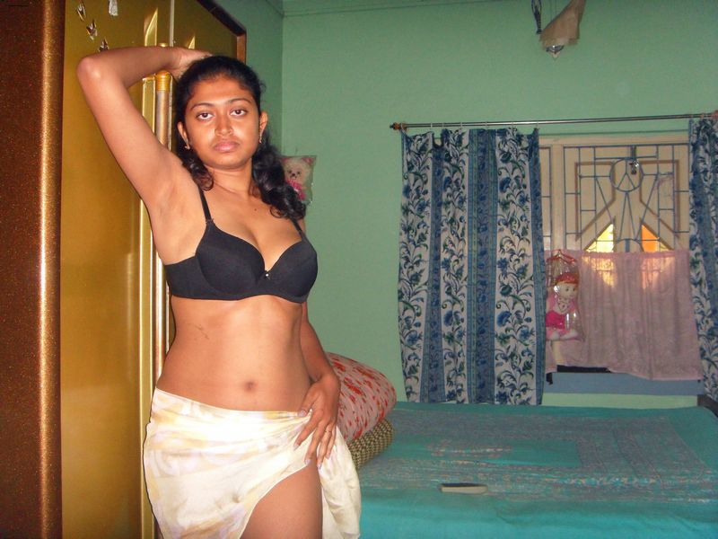 Bengali babe getting naked showing tits pussy pics