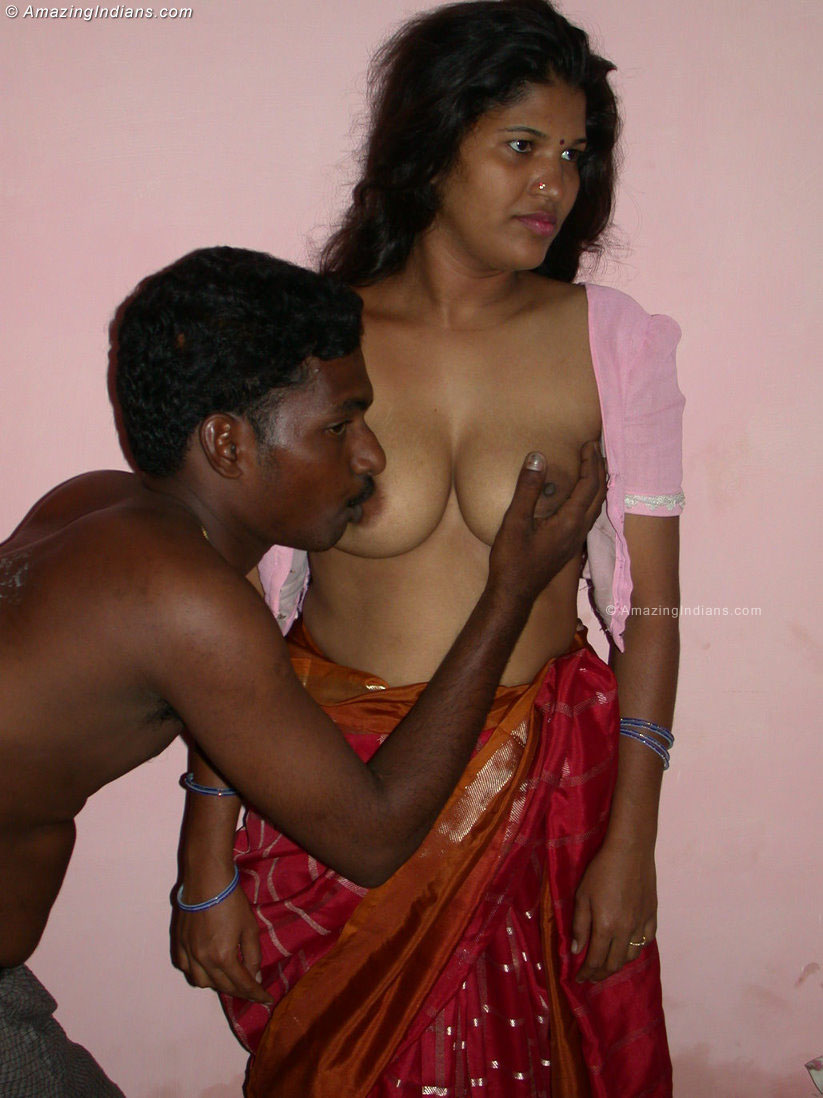 Desi blouseless Saree nude pics wonderful