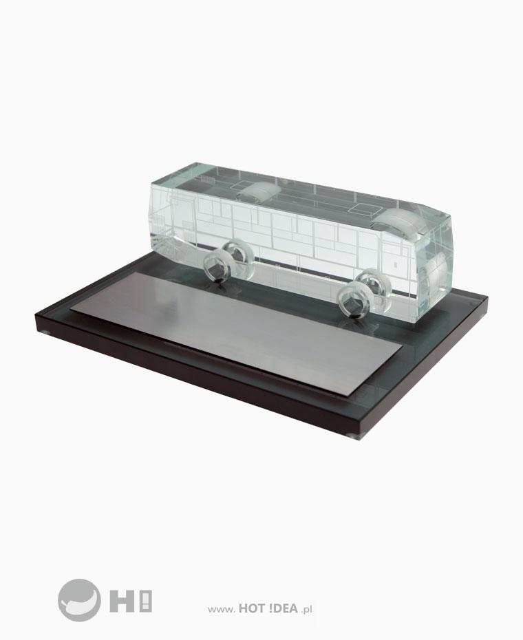 Prezent z okazji przejścia na emeryturę lub jubileusz przedsiębiorstwa - szklany autobus Autosan