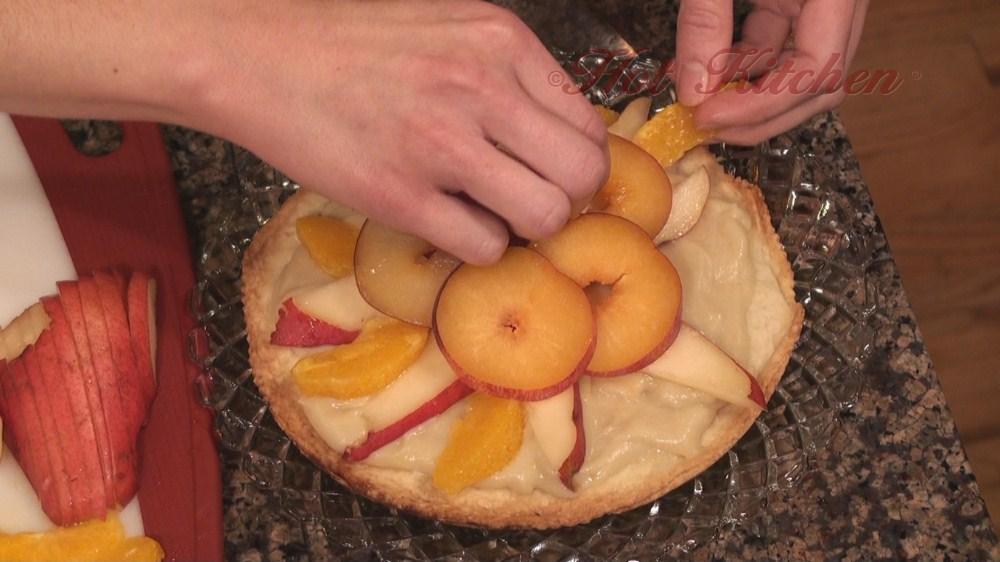 Hot Kitchen Fruit Pizza Recipe Demonstration