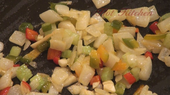 Hot Kitchen Cajun Shrimp Alfredo Recipe Demonstration
