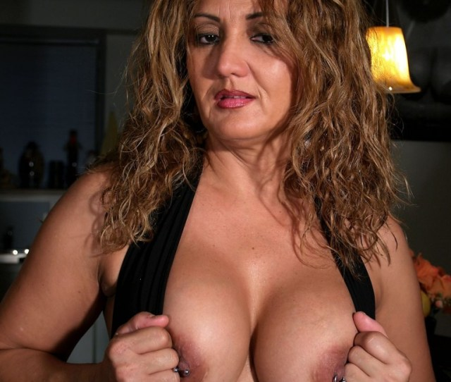 Hotlips Melanie The Big Tit Latina Colombian Milf Exposes Her Deep Cleavage
