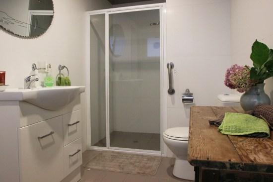 A spacious bathroom