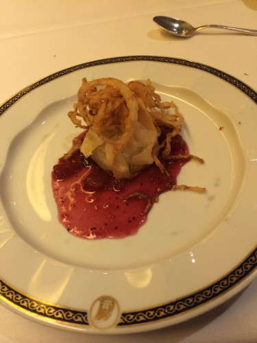 Appetiser:  Brie in Crispy Phyllo with Apple-Cranberry Chutney.  Carl ordered this and loved it but again, that chutney was sweet!