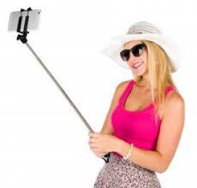 selfie picture for australian man