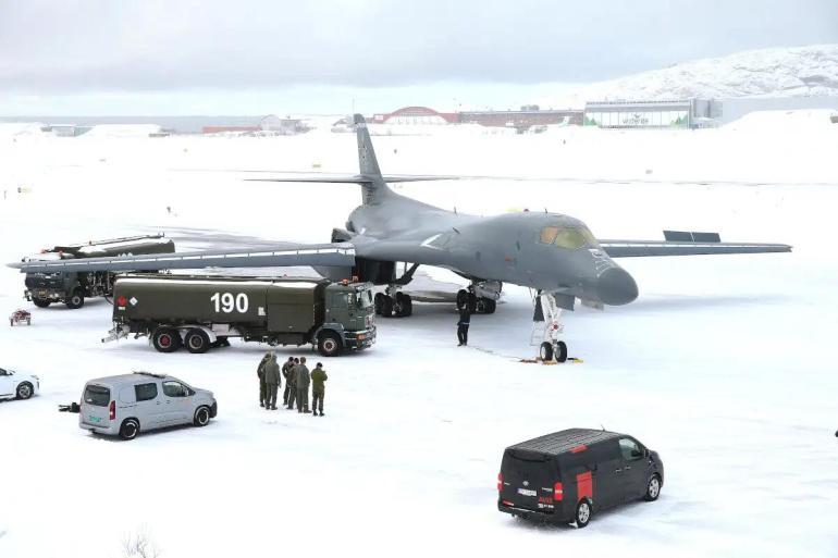 监听默克尔丑闻曝光后,美轰炸机飞遍北约30国,这次又是针对谁?