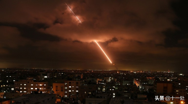 不宣而战!以色列再度轰炸叙利亚,美国施压伊朗,普京态度变了