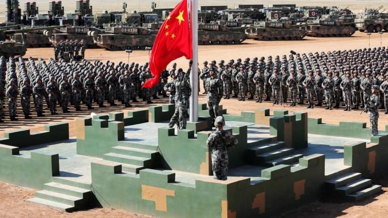 对抗升级!美国砸2500亿美元遏制中国,罗援将军:也只不过是陪练