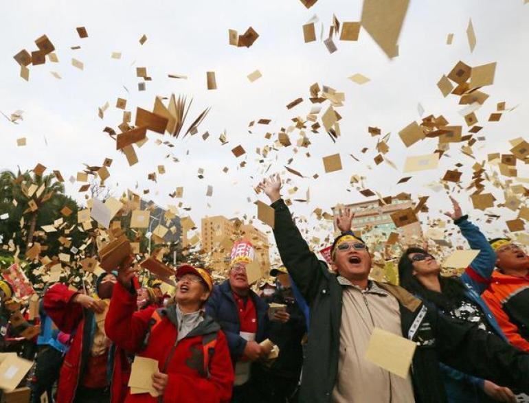 """邱毅的判断果然没错!""""两岸统一""""突然火爆,台湾民众已经醒悟"""