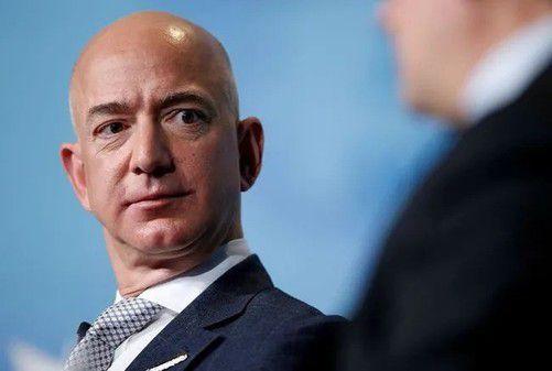"""首富更怕老,还是""""钱太多""""?马斯克讽刺贝佐斯投资抗衰老公司:要是不管用,他连死神都得告"""