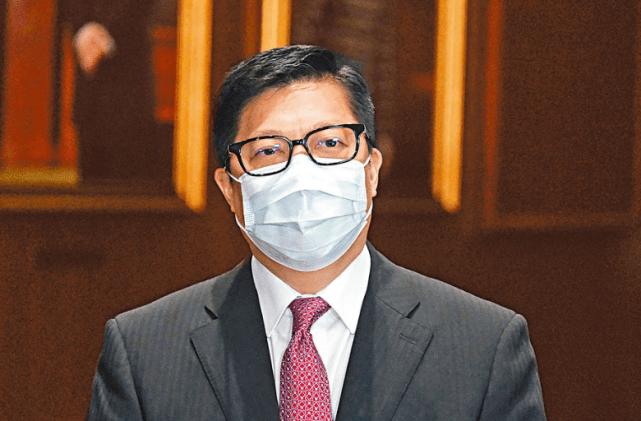 乱港分子犯案后潜逃海外唱衰香港,邓炳强:终身追究其罪责