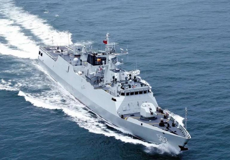 无视我国新海洋法,美军兵分两路闯南海,是时候在军事上强硬了