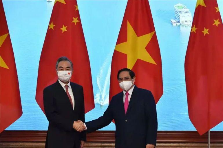 越南总理范明政会见王毅