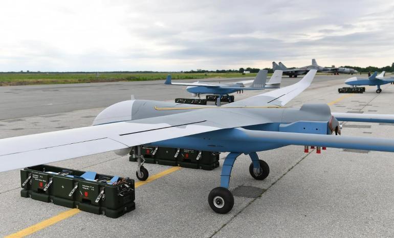 打破纪录!中国彩虹6无人机航程达12000公里,印度人:我们也想要