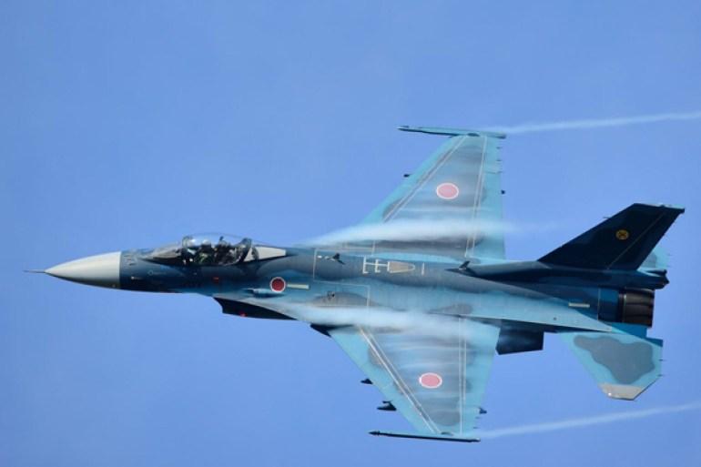 """放大版的""""隼"""",日本F-2与美国F-16有哪些不同?"""