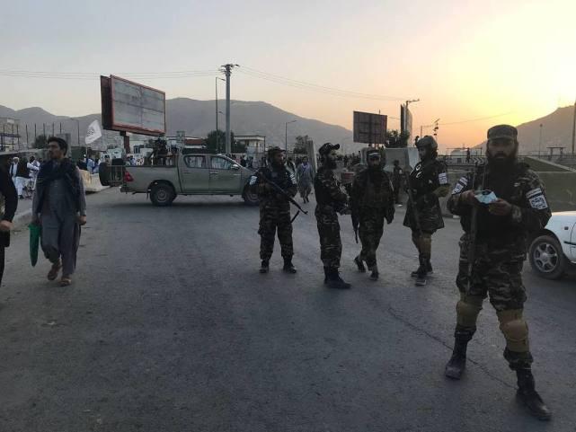 喀布尔清真寺爆炸事件后,塔利班宣布抓获11名ISIS恐怖分子