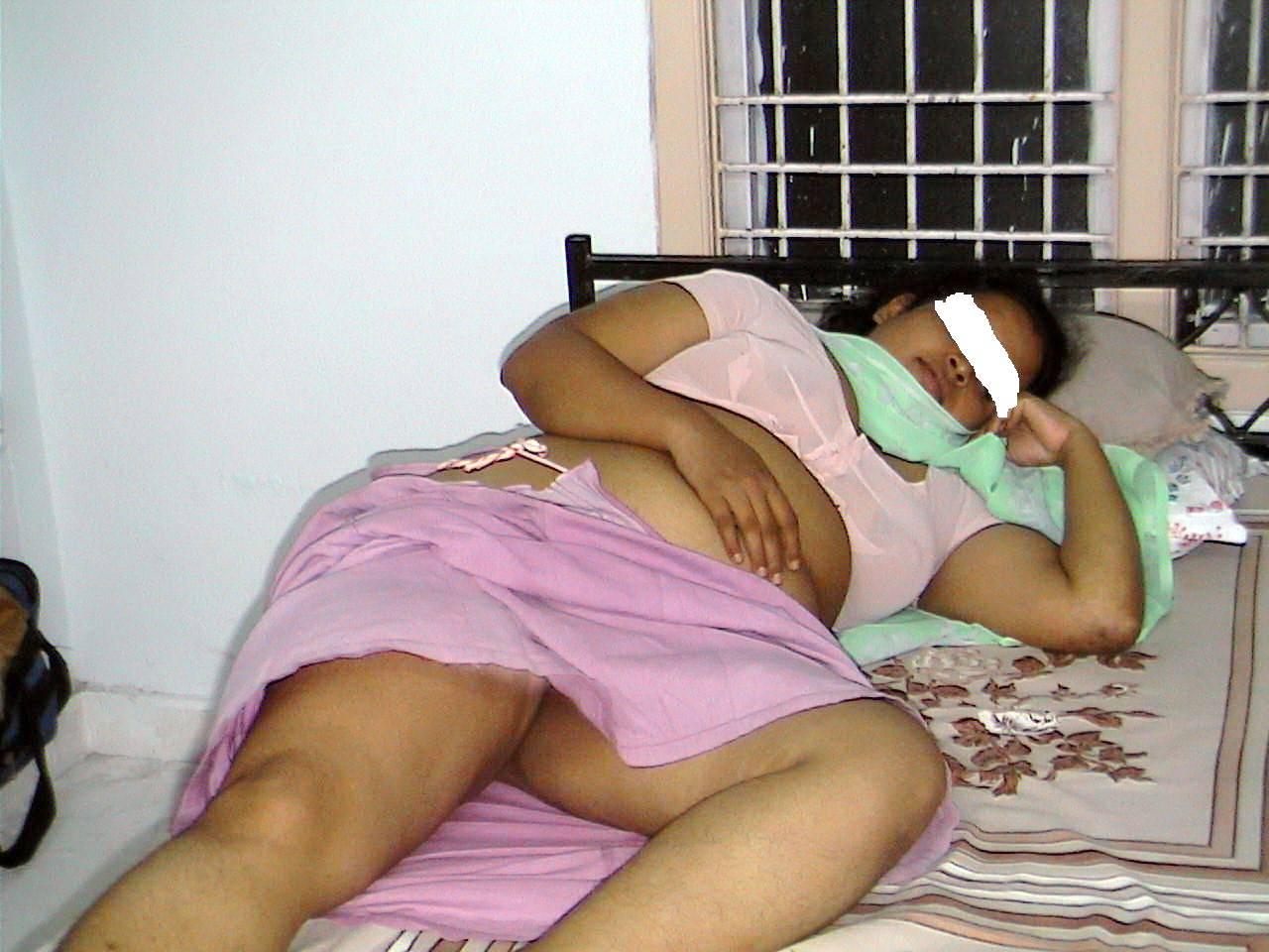 aunty sleeping photos