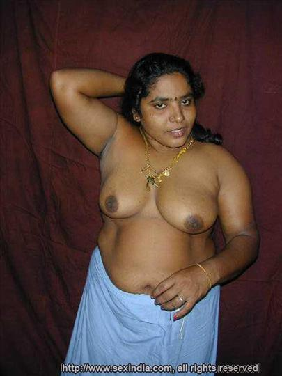 Hot Aunty Saree Wear Without Blouse And Panty Pic-4335