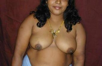 Hot Desi bhabhi navel big boobs