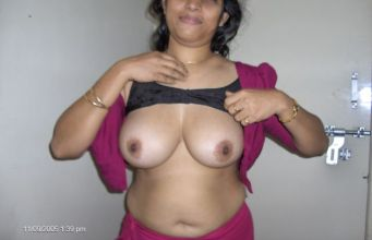 Deshi girls boobs