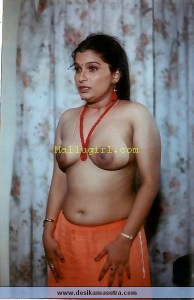 indian saree breast