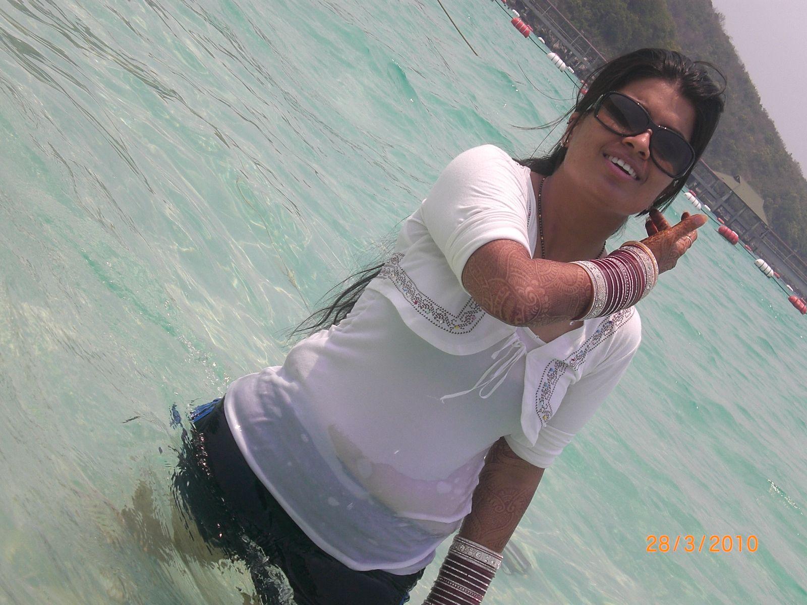 Honeymoon Bhabhi In Nighty  Latest Hd Image Gallery-2406
