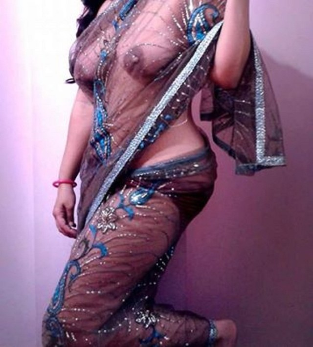 Bhabhi remove transparent saree