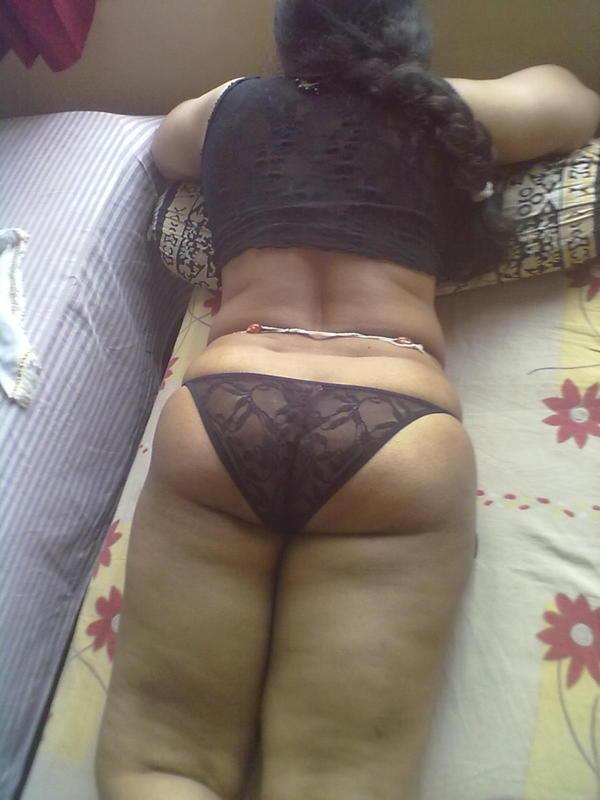 Saree Petticoat Mein House Wife Ki Nangi 25 Photos-3806