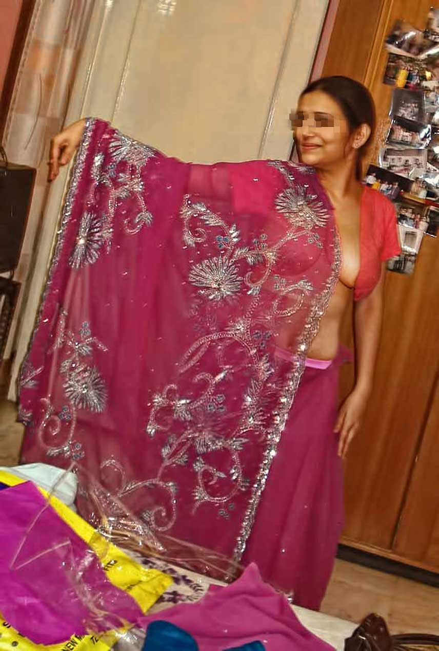 Indian Wife Stripping Her Blouse And Bra  Saree Women Hd -4760