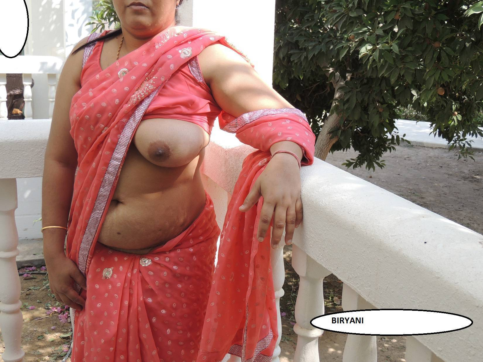 aunties nude boob fotos in saris
