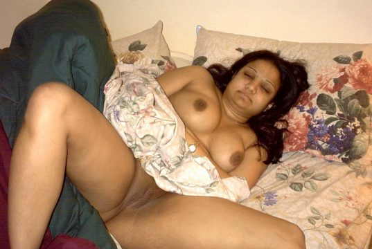 Nude chubby homely aunties pic