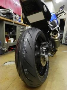 GSR750_tire_change