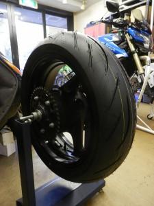 gsr750_tire_change-6