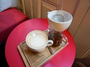 P.S. GRONINGEN: KOFFIE, THEESPECIALITEITEN EN VOORAL VEEL TAART!