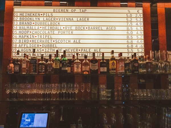 IJVER AMSTERDAM: ALL-DAY HOTSPOT VOOR BIERTJES DRINKEN ÉN LEKKER ETEN OP HET NDSM