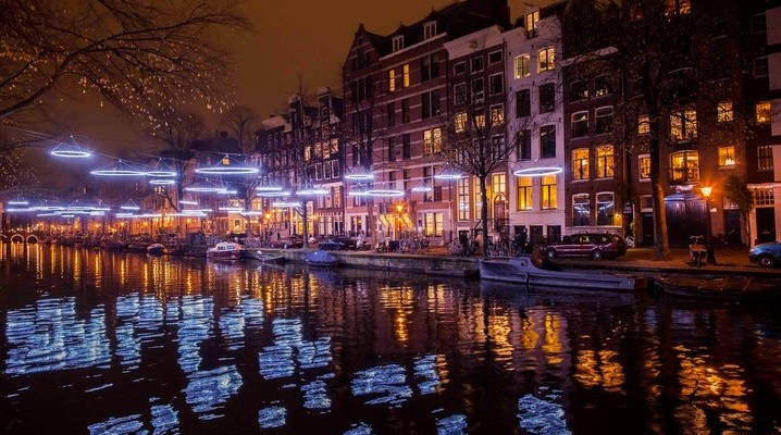 Dec 1 – Jan 22 Amsterdam Light Festival