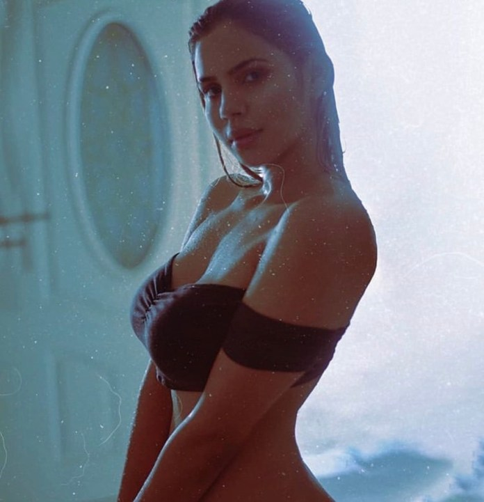 Adriana Felisolas HotSweetHome.com