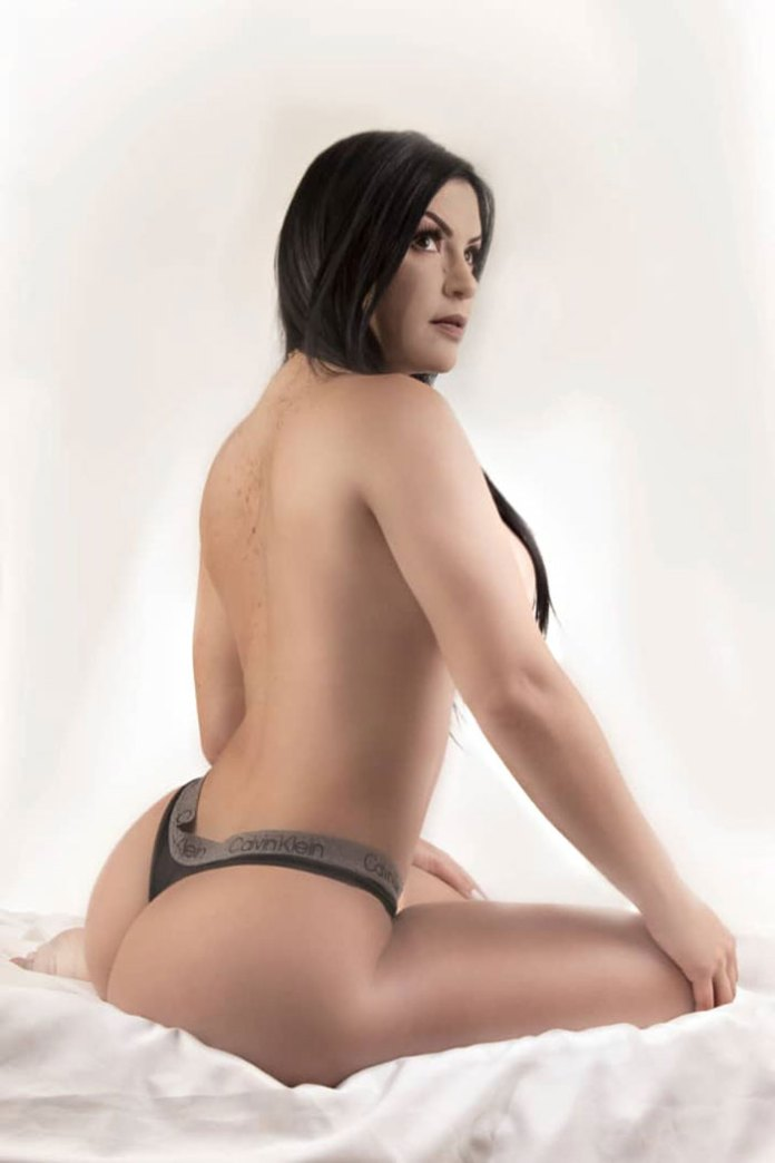 Karen Aguilar HotSweetHome