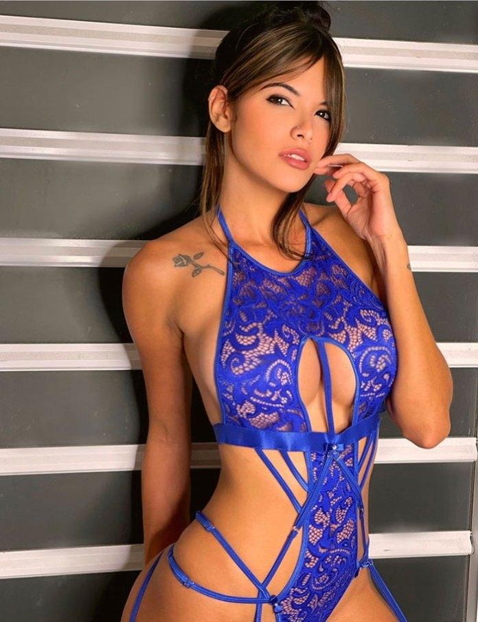 Nicole Dwyer - HotSweetHome