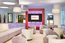 Intercity Hotel Frankfurt Airport: Lobby im neuen Look (Foto: Steigenberger Hotel Group)