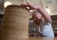 guinness-world-records_das-ho%cc%88chste-pfannkuchen-stapel_2
