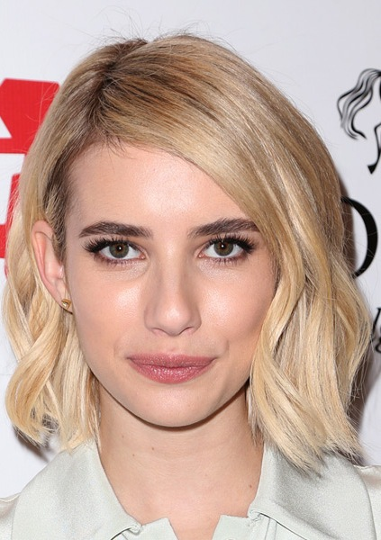 emma-roberts-medium-straight-hairstyle
