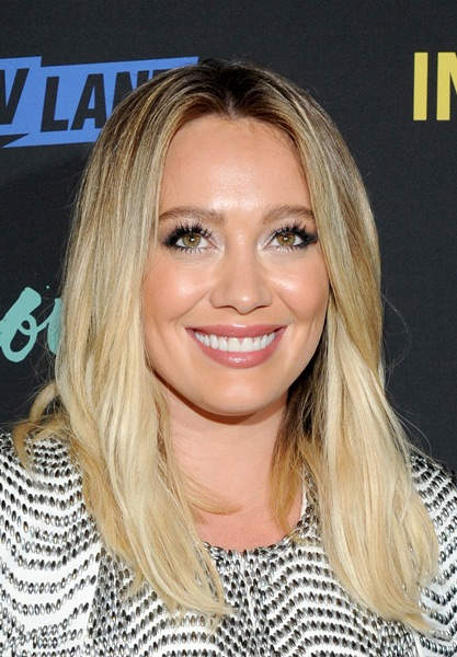 hilary-duff-medium-straight-hairstyle