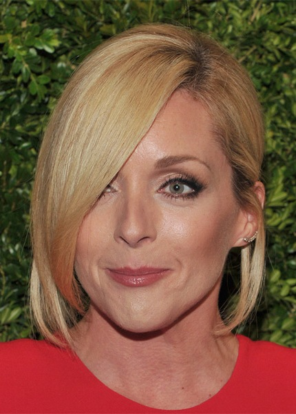 jane-krakowski-medium-straight-hairstyle